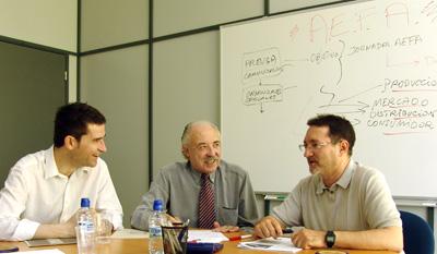 Francisco Artal, Francisco Ponce y Fernando Cuenca en sesión de trabajo