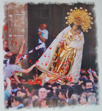 Imagen del traslado de la Virgen