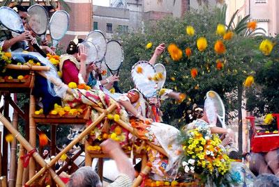 En plena batalla de flores en Valencia