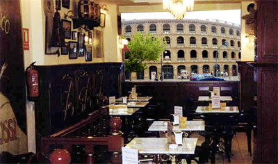 Cafeteria frente a la plaza de toros