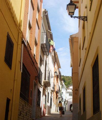 Calle en cuesta de Castellnovo
