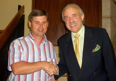 Antonio Lara, Concejal de cultura de Castellnovo y el escritor Francisco Ponce