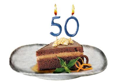 Tarta de celebracion de los 50 articulos del Ventanuco en periordico