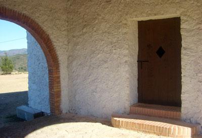 Salida por la parte trasera de la ermita San Cristobal