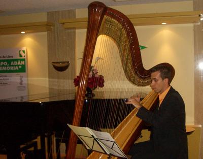 Jaime Gimeno durante su actuacion musical