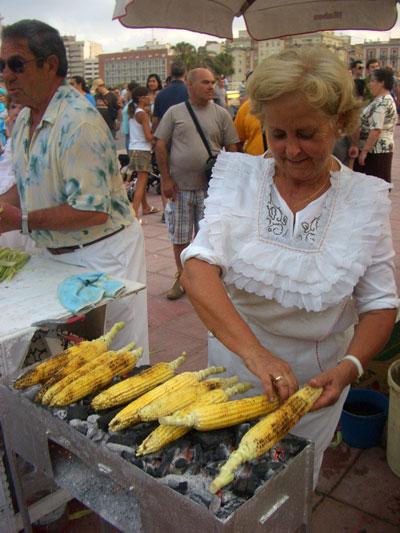 Invita a saborear en estos días la tradición hecha tierno maíz