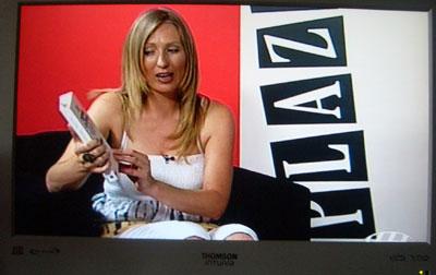Sylvia Costa presenta y dirige el programa televisivo de Plaza Redonda
