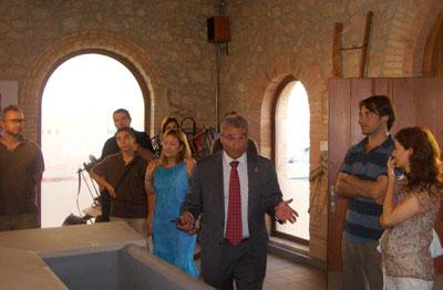 Alcalde, Amador Villamón y su esposa actuan de guias