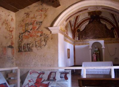 Capilla y pinturas