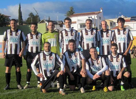 Castellnovo C.F. en el campo del Viver