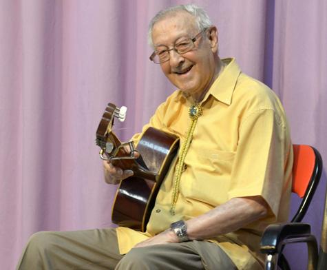 Francisco Tapia (Guitarrista)