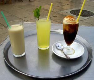 "Horchata, Limón granizado, ""Blanco y negro"""