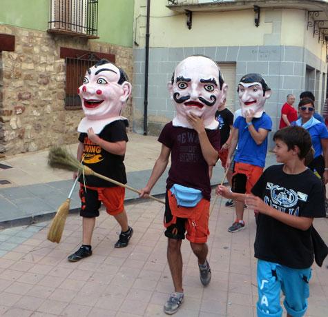 Cabezudos en Santa Eulalia (Teruel)