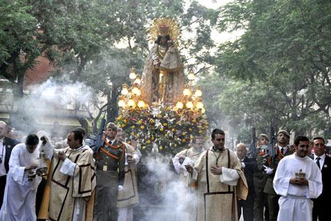 Procesión de la Virgen de los Desamparados en Valencia