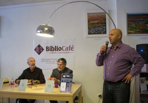 José Luis, propietario de Biblio-Café
