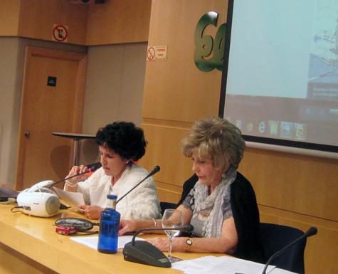 María Fenollosa (Delegada) y Carmen Carrasco (Conferenciante)