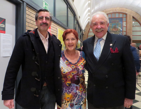 --José Mª Ángel (Alcalde), Mª Isabel Peris (Organizadora), Francisco Ponce (Escritor)-