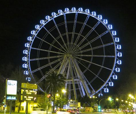 Noria Gigante en Valencia de noche