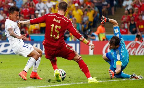 Primer gol de Chile a España