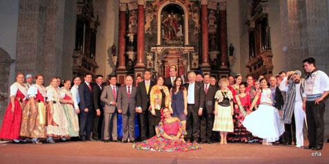 Foto general de los organizadores y actuantes