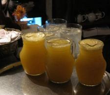 Deliciosas jarras de 'Agua de Valencia'
