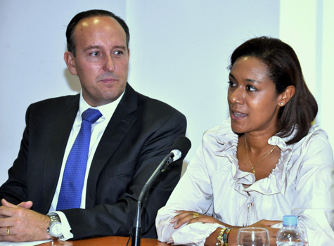 Alcalde Vicente Ibor y Consellera Dolores Johnson