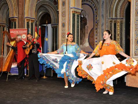 Arpa Guitarra y Ballet Paraguayo