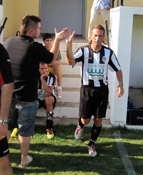 """Cristian-""""Panuchi"""", autor de los dos goles del Castellnovo C.F."""