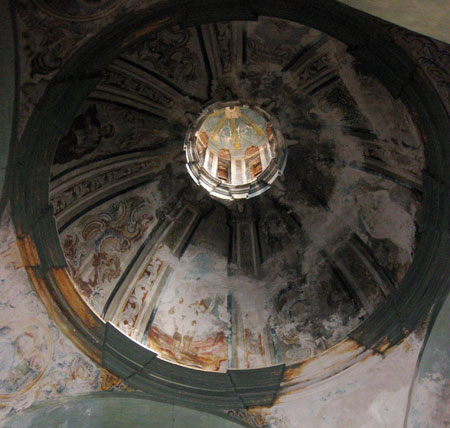 Interior cúpula iglesia del XVIII