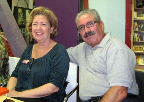 Carmela y esposo