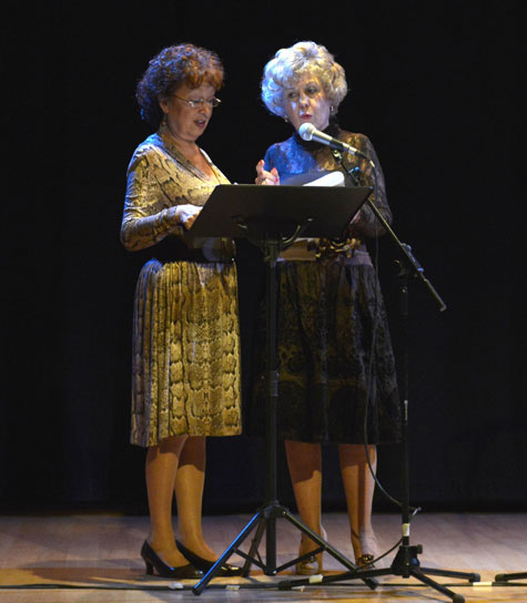 Amparo Carbonell y Carmen Carrasco