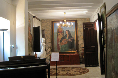 Salón Casa-Atelier residencia Paquita Sabrafén