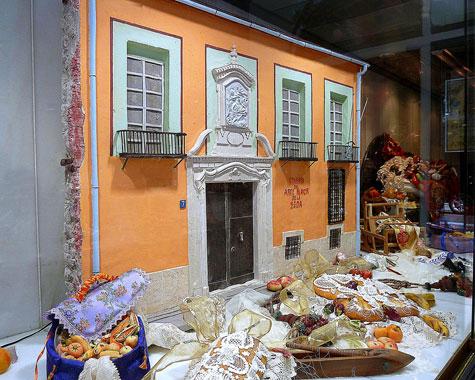 Fachada del Colegio Mayor de la Seda en Valencia (Mazapán y azúcar)