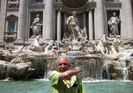Francisco Ponce en la Fontana di Trevi