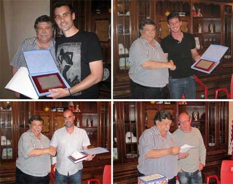 Ramón Ponce (presidente) entrega menciones honorificas