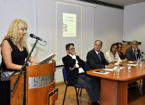 Elena Torres y mesa presidencial