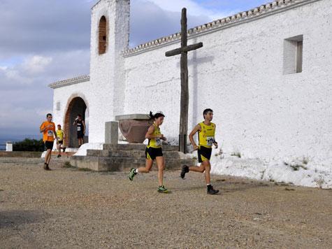 Pasando frente a la ermita San Cristóbal (570 m. de altitud)