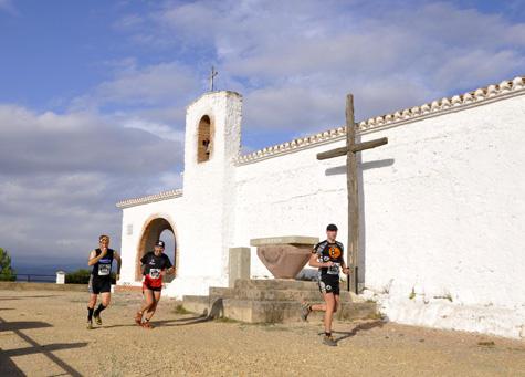 Su paso por la ermita de San Cristóbal 570 m. de altitud