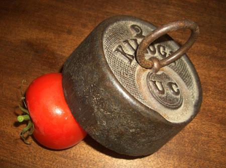 (El tomate parlanchín)