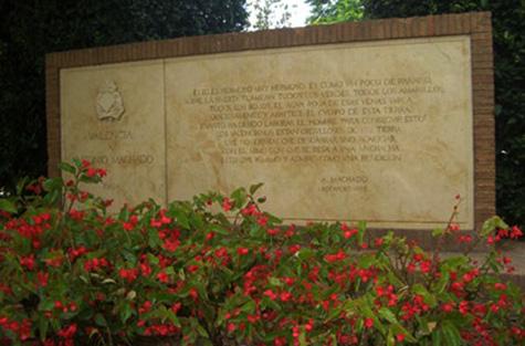 Monumento a Antonio Machado - Valencia