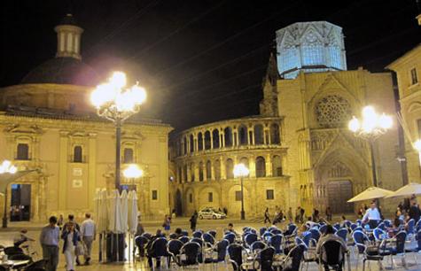 Plaza de la Virgen en Valencia (NOCHE)