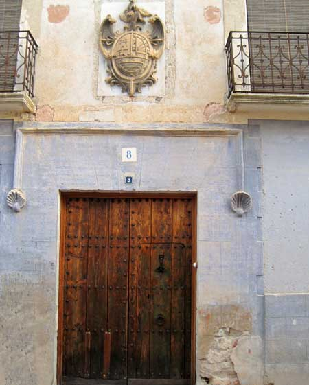 Portal escudo nobiliario