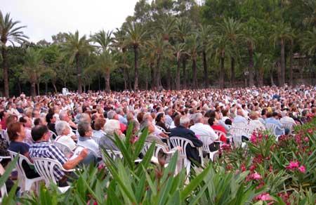 Banda municipal de valencia jardines del palau 2009 for Jardines del palau