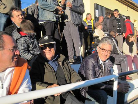 Público animando al Castellnovo C.F.