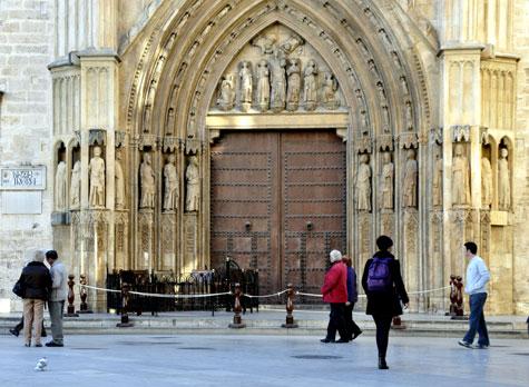 Puerta de los Apostoles de Valencia