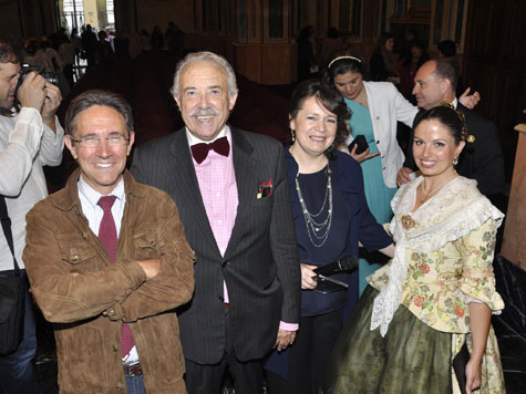 Ricardo Bellveser-Francisco Ponce-Luisa Pereira-Gloria Almonacid (fondo) Silvia Vargas-Jorge Juan Flor