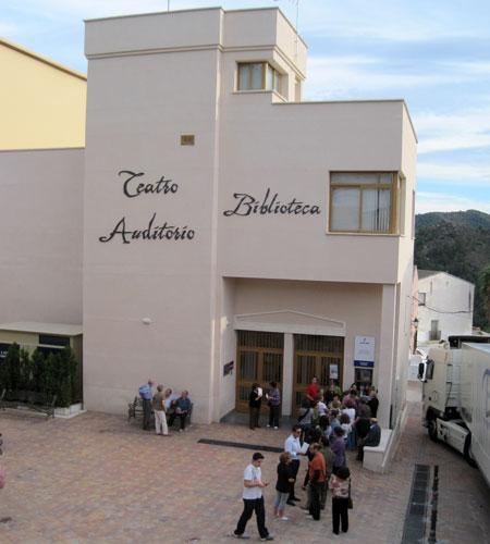 Teatro-Auditórium-Biblioteca