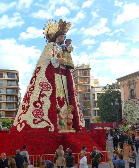 Manto de flores finalizado, Virgen de los Desamparados de Valencia