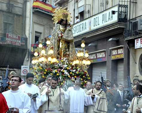 Virgen de los Desamparados saliendo calle Bolseria
