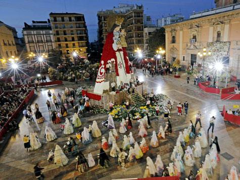 Ofrenda a la Virgen de los Desamparados 2013